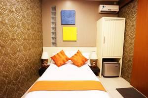 Putri Bali Guest House Surabaya - Superior Room