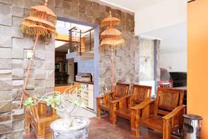 Putri Bali Guest House Surabaya - Lounge