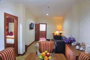 Hotel Semagi Jambi - Ruang makan dan ruang makan