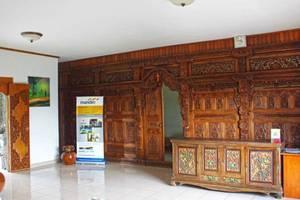 Puri Saron Hotel Gianyar Bali - Lobby
