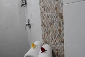 Duo Legian Hotel Bali - Kamar mandi