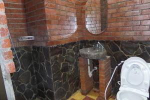 Jacatra Homestay Malang - Kamar mandi