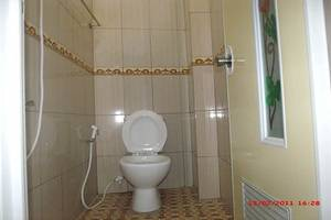 Griya Rambutan Barat Semarang Semarang - Kamar mandi