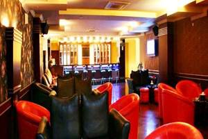 Hotel Furaya Pekanbaru - Resto and Bar