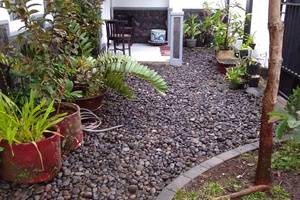 Villa Puri Garden Batu Malang - taman