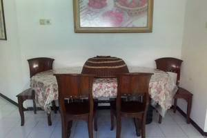 Villa Puri Garden Batu Malang - ruang makan