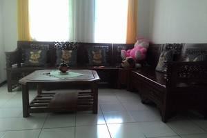 Villa Puri Garden Batu Malang - ruang tengah
