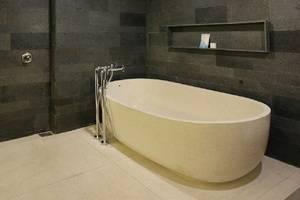 Watermark Hotel Bali - Club Bathroom