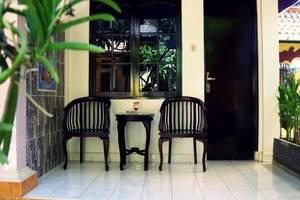 Pondok DenAyu Homestay Bali - Teras
