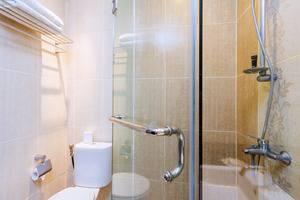 RedDoorz @Padma Utara 2 Bali - Kamar mandi