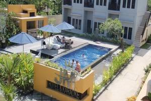 JM Hotel Kuta Lombok Lombok - Kolam Renang