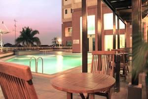 Apartemen Puncak Marina Surabaya - Kolam Renang
