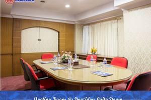Abadi Hotel & Convention Center Jambi - RUANG RAPAT @KAMAR PRESIDENT SUITE