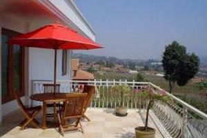 Hotel Venetys Bandung - Balcony