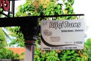 Rifqi Guesthouse Pacitan - Signboard