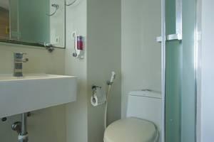 RedDoorz near Simpang Dewa Ruci Bali - Bathroom