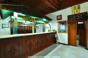 Hotel Batik Yogyakarta - Resepsionis