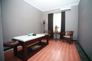Karlita Hotel Tegal - Massage Room