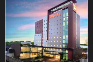 ibis Makassar City Center - Featured Image