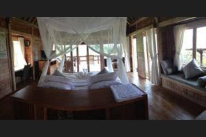 Sawah Indah Villa Bali - Property Grounds