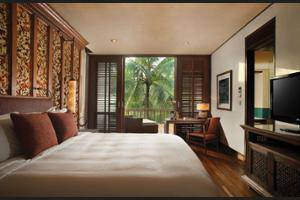 Four Seasons Sayan - Living Room