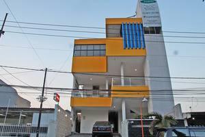 RedDoorz @Kupang Baru Surabaya - Tampilan Luar Hotel