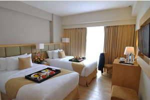 Hotel Di Simpang Lima