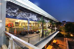Tanjung Kodok Beach Resort Lamongan - Beach Lounge n Cafe