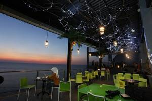 Tanjung Kodok Beach Resort Lamongan - Cafe