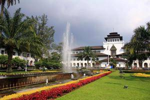 Hotel Grand Aquila Bandung - Sekeliling