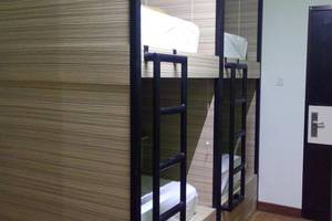 CX Hostel Legian Kelod Bali - Tempat tidur kapsul