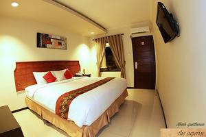DFresh Guest House Malang - Kamar superior double