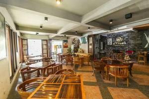 D'Fresh Hotel & Resto Malang - Restaurant