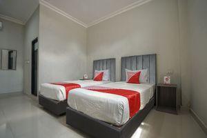 OYO 1233 Indo Hotel