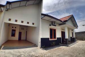 Dahlia Guest House Yogyakarta - garasi