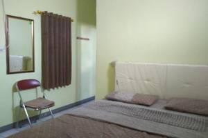Sandila Guest House Bandung - Standard Queen