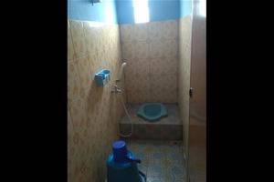 Sandila Guest House Bandung - Bathroom