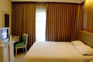 Ciputra Golf Club & Hotel Surabaya - Deluxe Double Room 2