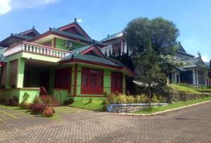 Villa Kota Bunga Andri Type Oriental