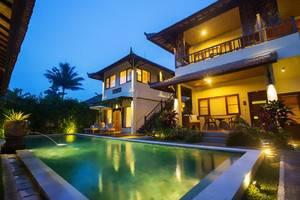 Munari Resort & Spa Ubud Bali - Kolam Renang di Munari