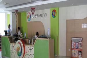 Dewarna Hotel Malang - Resepsionis