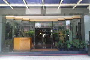 Hotel Fortuna Surabaya - Pintu utama