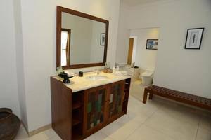Alam Bidadari Resort Seminyak Bali - Kamar mandi