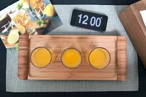 The Life Hotels Surabaya - Minuman untuk menyambut tamu