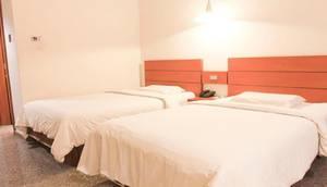 Sahira Butik Hotel Bogor - Deluxe Twin