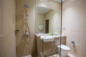Olympic Renotel Sentul - Bathroom