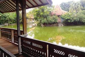 Sapu lidi Resort Hotel Bandung - Kamar Suite Pemandangan Danau
