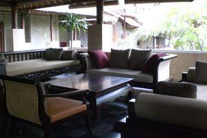 Grand Balisani Suites Bali - Lobby Sofa 1
