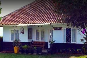 Villa 121 Lembang Bandung - Building