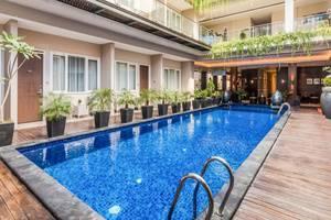 ZenRooms Kuta Kubu Anyar 1 Bali - Kolam Renang